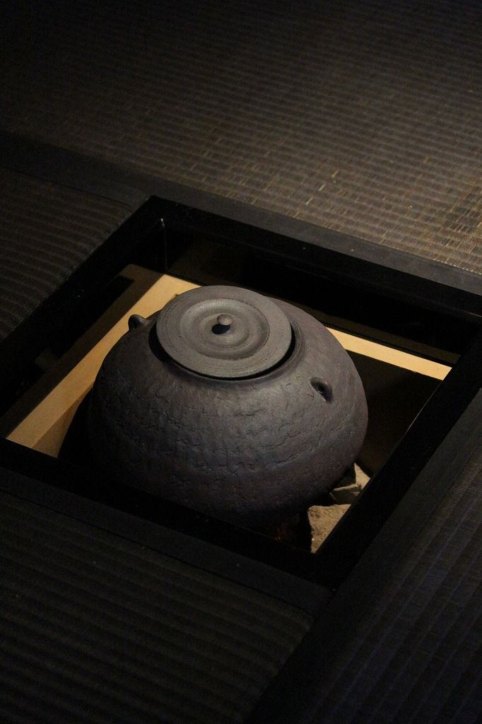 Japanese iron kettle for tea ceremony 茶釜