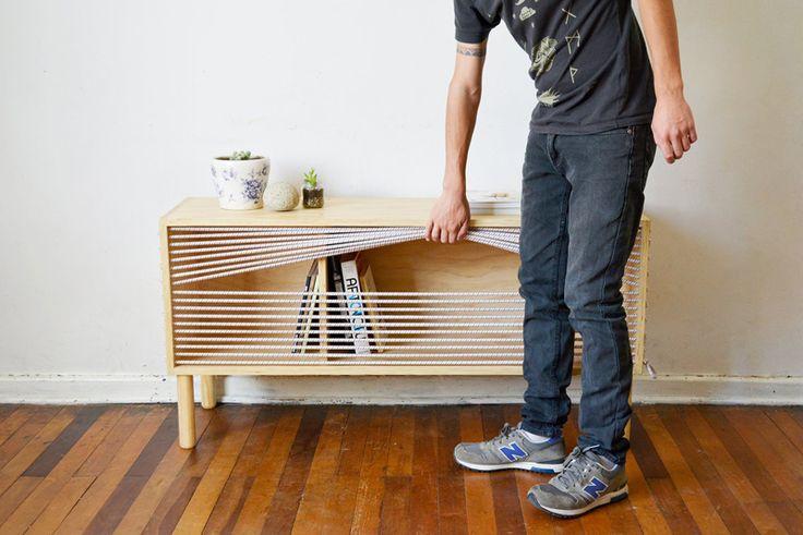 Designeuse chilienne Emmanuel Gonzalez Guzman, a conçu et réalisé Cuerda, un buffet en bois inspiré par les cordes d'un ring de boxe