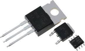 trioda półprzewodnikowa (obecnie głównie krzemowa), element czynny układów elektronicznych służący do wzmacniania sygnałów elektrycznych. Wśród wielu rodzajów tranzystorów najbardziej typowe są tranzystory bipolarne (iniekcyjne): dwuzłączowe i jednozłączowe, oraz tranzystory unipolarne (polowe). Najprostszy tranzystor bipolarny dwuzłączowy, zbudowany jest z dwóch złącz p-n położonych blisko siebie (kolejno obszary n-p-n lub p-n-p)
