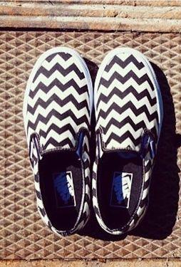Summer kicks | Chevron Vans