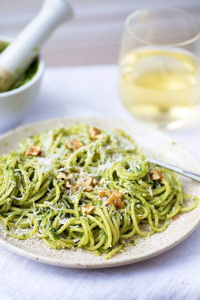 "Spaghetti Barilla with Rocket and Walnut Pesto <div class=""hrecipe jetpack-recipe""><div class=""jetpack-recipe-content""></div></div>"
