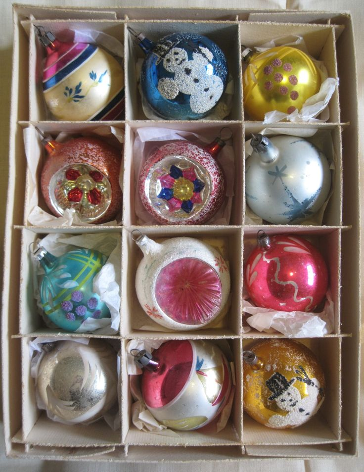 vintage boxed glass Christmas tree baubles