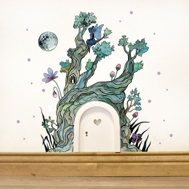 Süße Elfentür mit Wandtattoo fürs Kinderzimmer, fantasievolle Deko fürs Spielzimmer / fantasy wall tattoo for the nursery with little fairies made by deinewandkunst via DaWanda.com