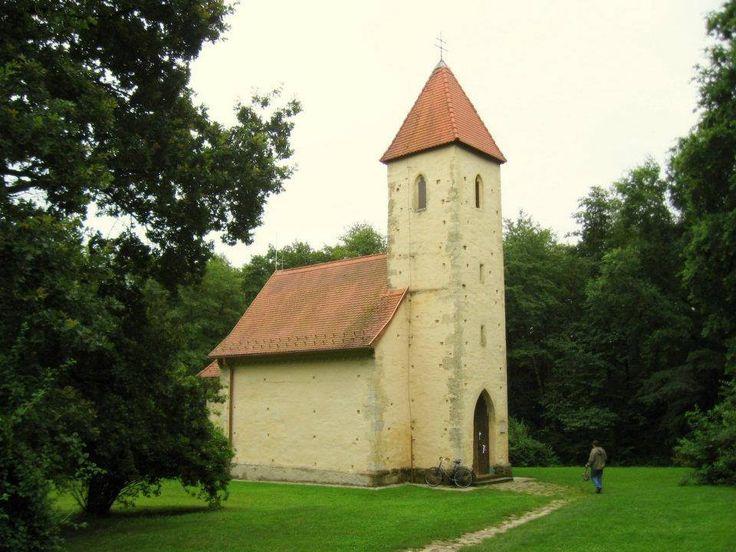 https://www.facebook.com/patriotaeuropa/photos  Árpád-kori templomaink – Szentháromság-templom – Velemér – Őrség – Dunántúl - Hungary