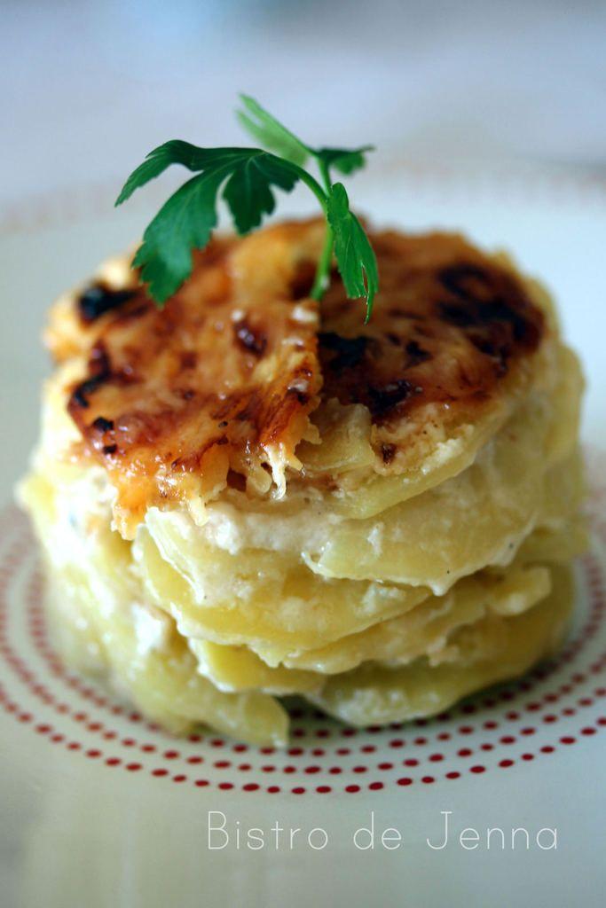 Gratin de pommes de terres - crème à l'ail et gorgonzola