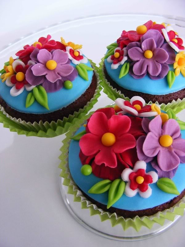 summer flower cupcakes