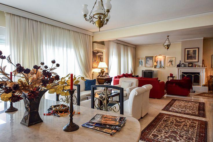 Αρχοντικό σαλόνι σε αρμονία με την τραπεζαρία #realestate #efimesitiko #alexandroupoli