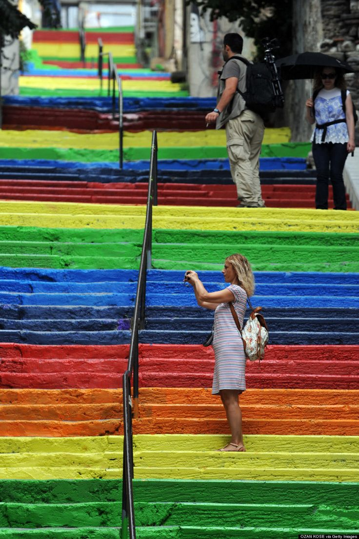The 26 best cities in the world to see street art! *Rainbow-colored stairs in Istanbul painted by a local man in 2013.