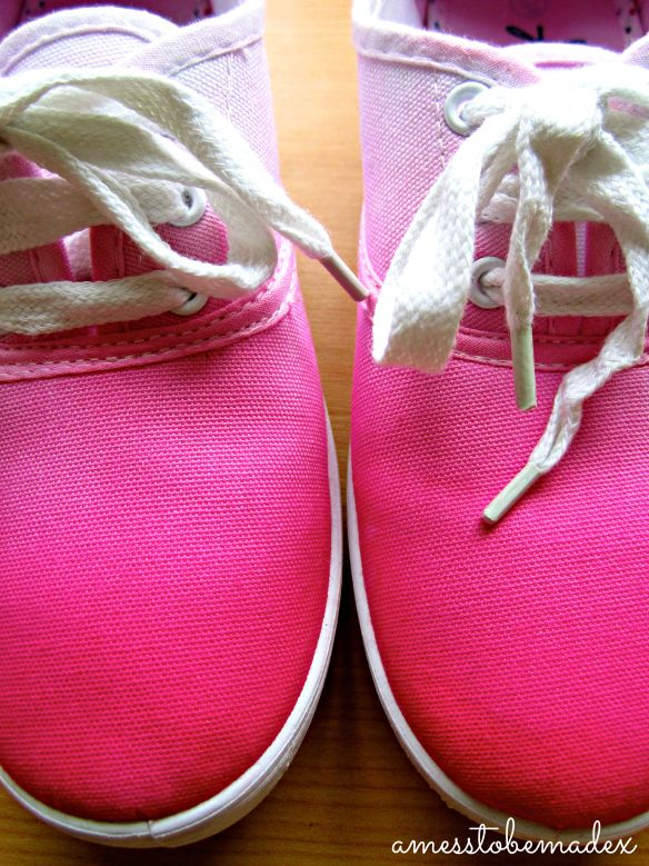 DIY Dip Dye Shoes | a mess to be made