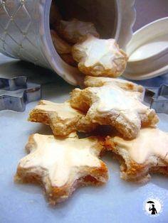 Stelle di Natale alla cannella, ricetta biscotti alle mandorle e cannella.