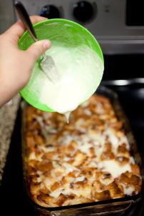 Gluten free French toast casserole perfect for Christmas morning breakfast! #breakfast #recipe #healthy #recipes #brunch #easy