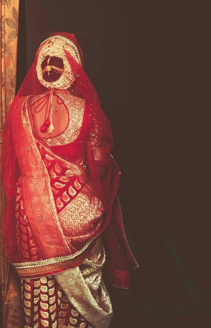 #Bengal #bridal #bride #bengali #wedding #India                              …