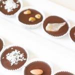 Hecho en casa del caramelo de chocolate Copas