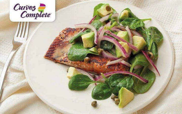 [Recipe] Seared Salmon with Avocado, Onion & Fresh Spianch #salmon #recipe #avocado #spinach #healthy #food