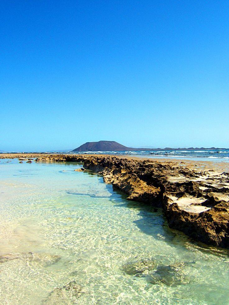 Aguas transparente, piscinas naturales en Fuertenventura, Islas Canarias