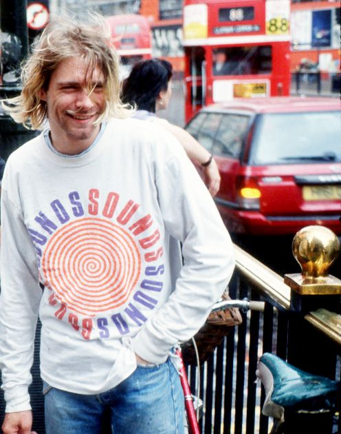 Kurt Cobain.  (Love that smile!!!)