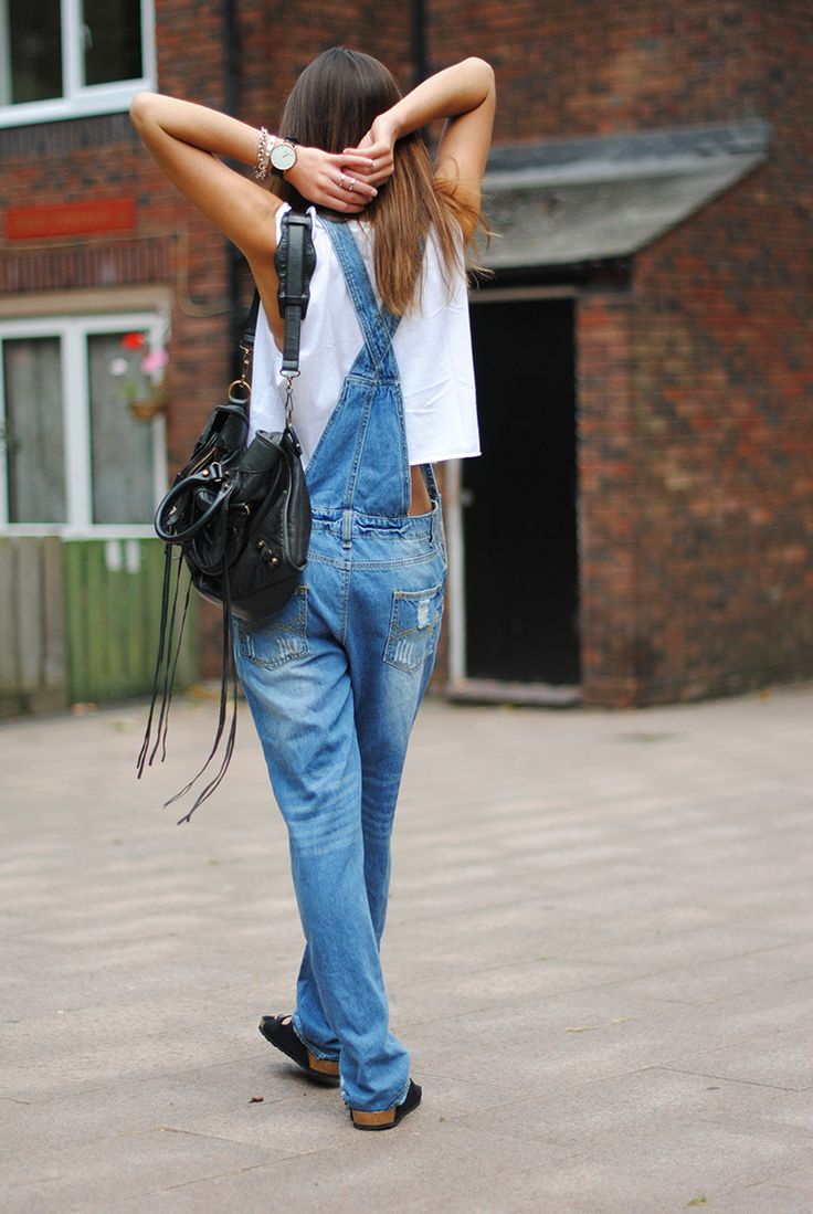 better see the flip side of that. #ZinaCharkoplia & her overalls in London. #Fashionvibe