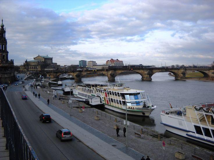 Parníky a Augustův most - Drážďany - Německo