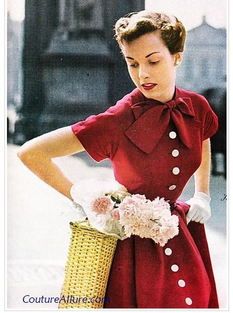 gorgeous 40's red dress with bow