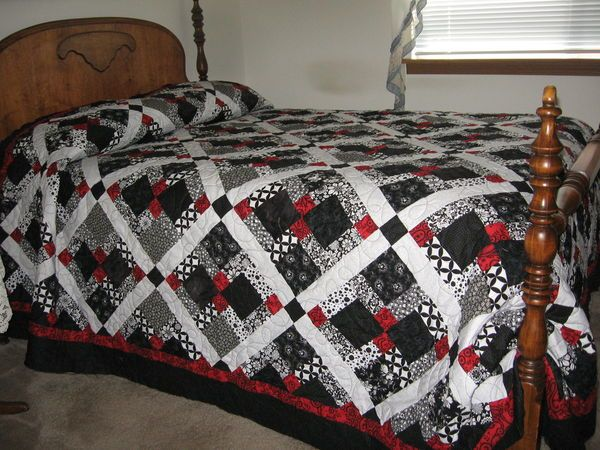 disappearing 9 patch quilt - BEAUTIFUL (and guess what color it is Paulina!?)