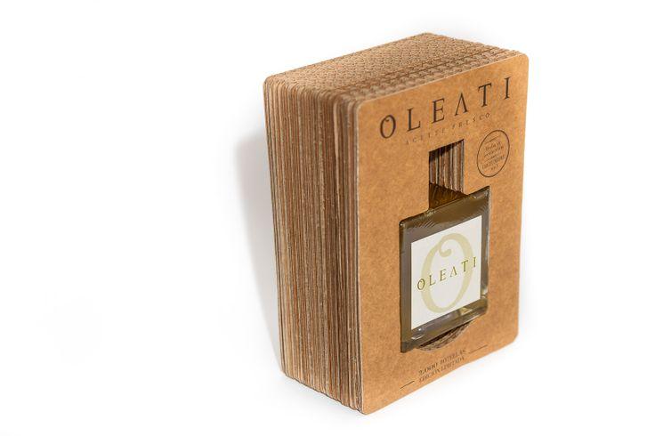 Oleati - diseño de identidad corporativa, packaging y web para marca de aceite de oliva de aceitunas hojiblanca #packaging #diseño #design #oil #aceite #caligramma
