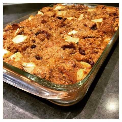 The Everyday Michelle: Old Fashioned Apple & Raisin Bread Pudding