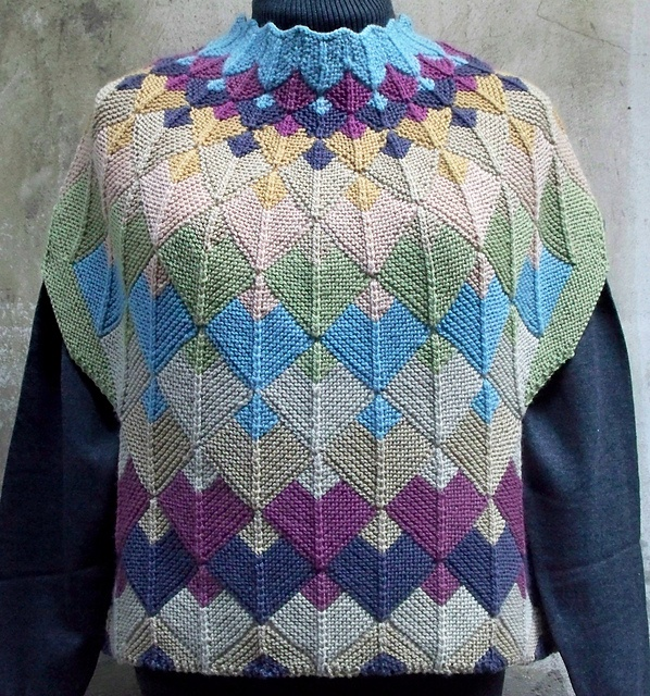 Ravelry: MitreDele pattern by Paolo Dalle Piane