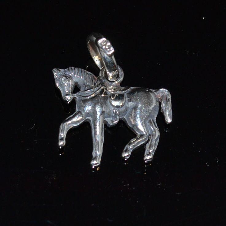 Zilveren hanger kan ook als bedel gebruikt worden. Paard zilveren bedel of hanger #paard