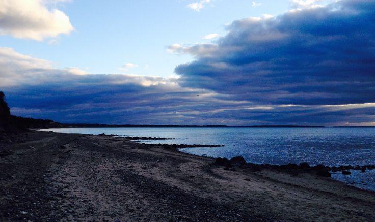21. marts 2015. Blå skyer - 2 - over Knud Strand