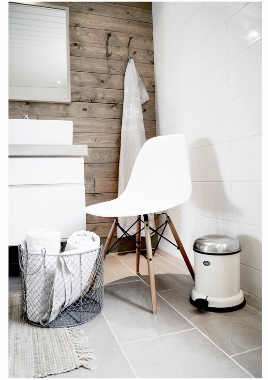 17 best images about bad on pinterest bathroom inspiration penny round tiles and tile. Black Bedroom Furniture Sets. Home Design Ideas
