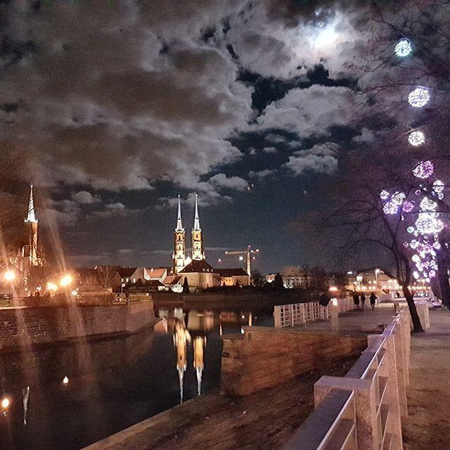 New Pics in Wroclaw, Poland -> Wroclaw by night <-  - #modena #wroclaw #digitalnomad