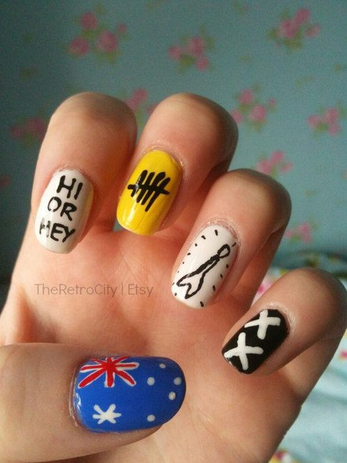 This product includes 12 nails with a variety of designs inspired by the Australian band 5 Seconds of Summer. Thumb: Australian flag  Index: Hi or