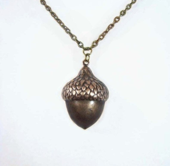 17 best images about oak acorn on pinterest brooches for Acorn necklace craft