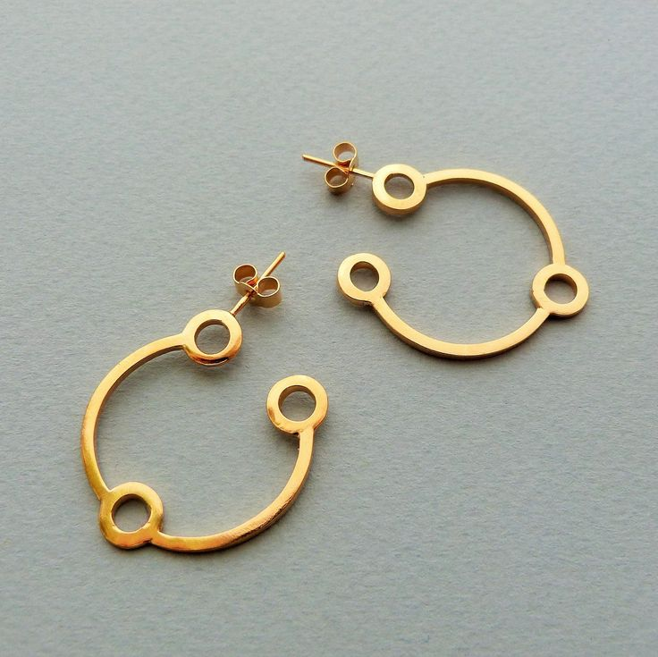 Small atomic hoops in gold // Minimal luxe handmade jewellery by Elin Horgan