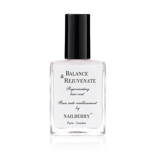 Nailberry Rejuvenating Base Coat - Balance and Rejuvenate Base Coat Premium anti-aging basecoat. Protects against discolouration and evens out ridges. The perfect base for a healthy manicure.