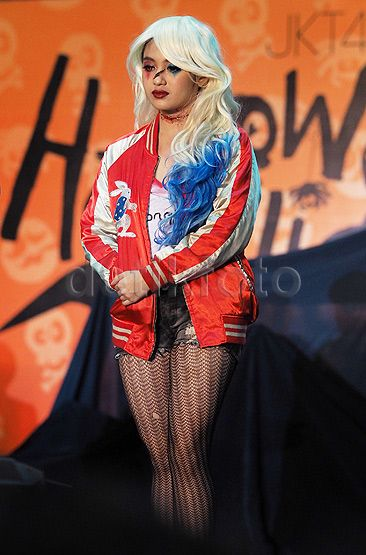 Nabilah (Tim J) jadi Harley Quinn versi Margot Robbie.