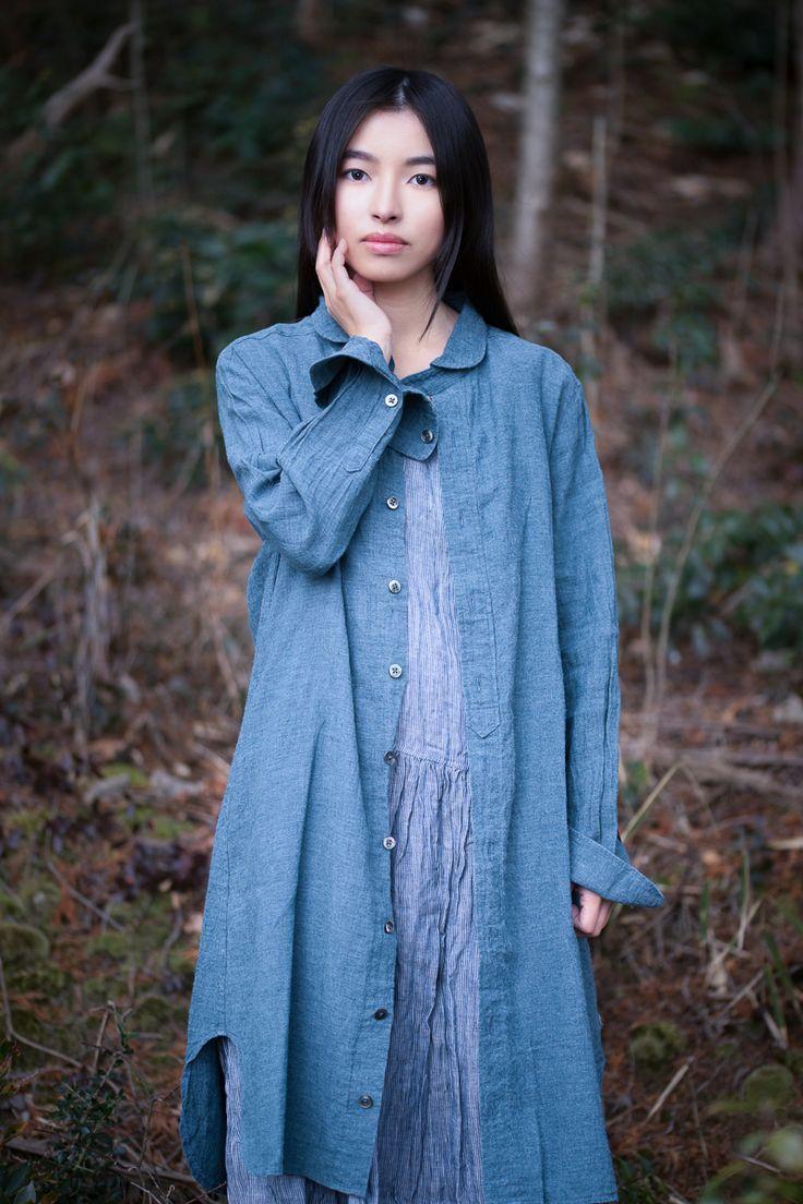 Blue linen tunic by Japanese designer Sa-Rah. Shot for @wabizest by @brabetphoto