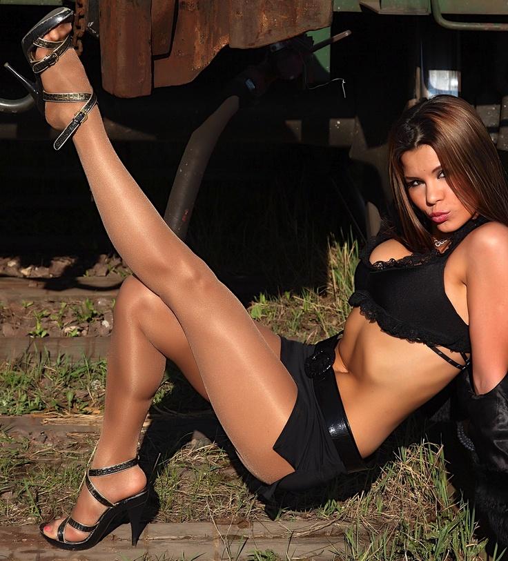 341 best high heels images on pinterest sexy high heels. Black Bedroom Furniture Sets. Home Design Ideas