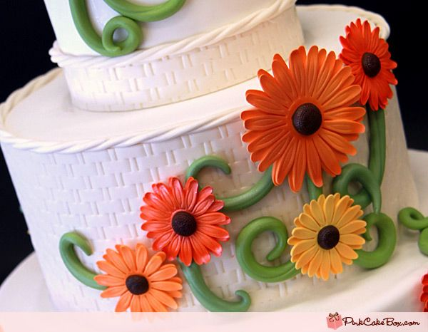 wedding cake decorated with gerbera daisies gerber wedding cake 187 wedding cakes wedding 22362