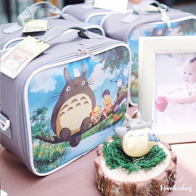 Customized bags for your special moments! Order check our bio  #handkerchiefid . . . . #totoro#totoroparty#partydecor#totorobirthdayparty#totorobags#goodiebagbandung#ghibli#goodiebag#hampers#hampersjakarta#tablesettingbandung#bags#hampersbandung#sangjit#dekorasiulangtahun#tabledecorjkt#tabledecorbandung#explorebandung#partyideas#eventstylistbandung#eventstylistjakarta#goodiebagbandung#tablesettingbandung#sangjitbox#hampersmurah#infobandung#bandungfoodies