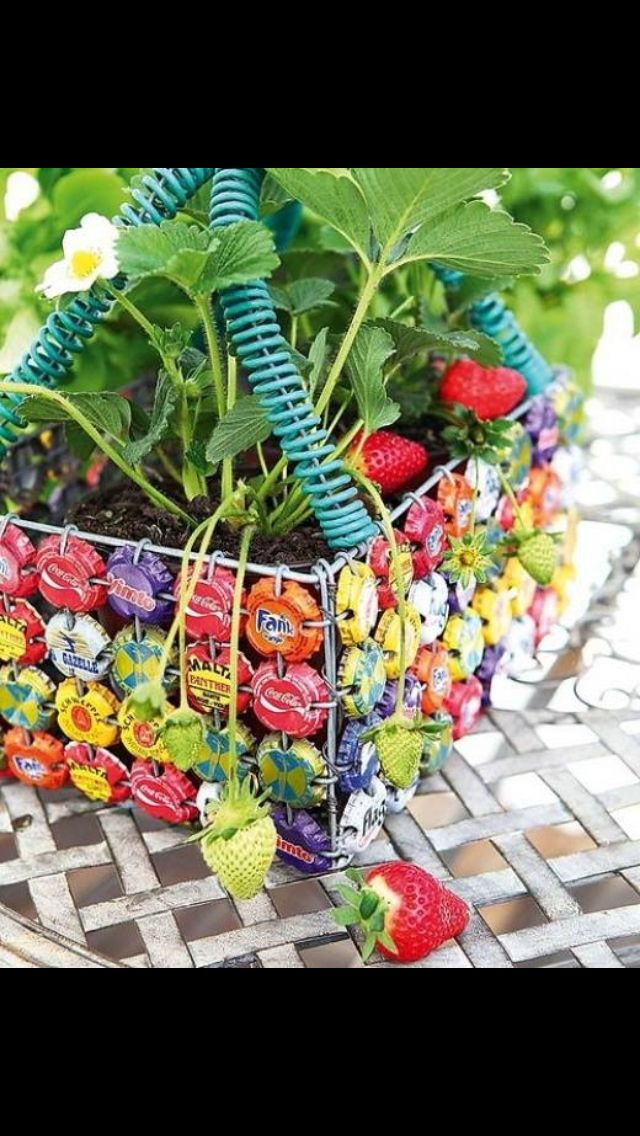 17 best images about bottle cap crafts on pinterest for Bottle arts and crafts