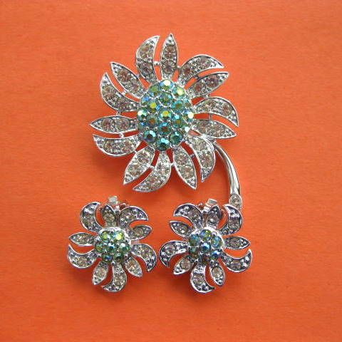 """Signed & Spectacular, Sarah Coventry, """"Mountain Flower"""" Brooch & Earrings: Mountain Flower, Vintage Sets, Sarah Coventry Jewelry, Flower Brooch, Vintage Brooches, Coventry Mountain, Vintage Jewelry"""