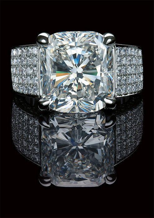 Wow diamond ring