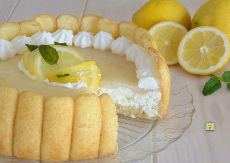 La torta fredda al limone è un dessert fresco e goloso senza gelatina o colla di pesce che conquista fin dal primo assaggio.