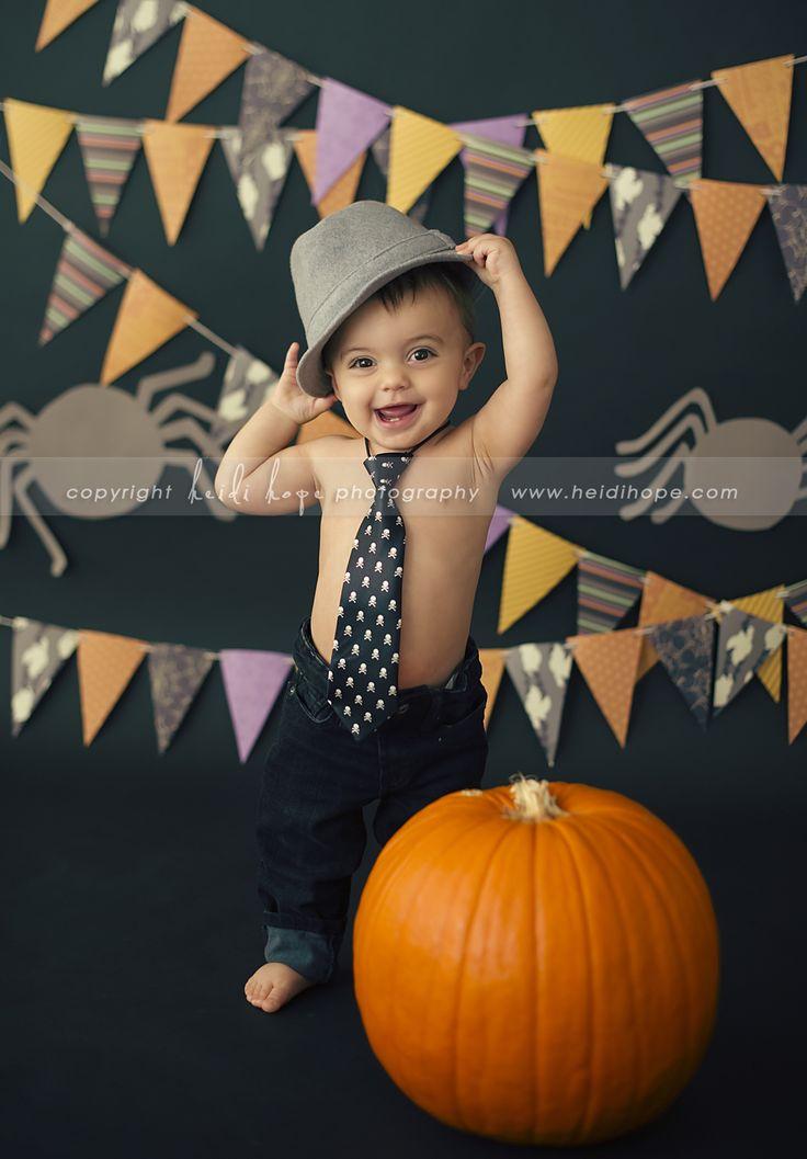 © Heidi Hope Photography #children #portrait #photographer #photography #1year #cake #smash #cakesmash #sweetindulgence @Kerri S. Cupcake #halloween #fall #autumn