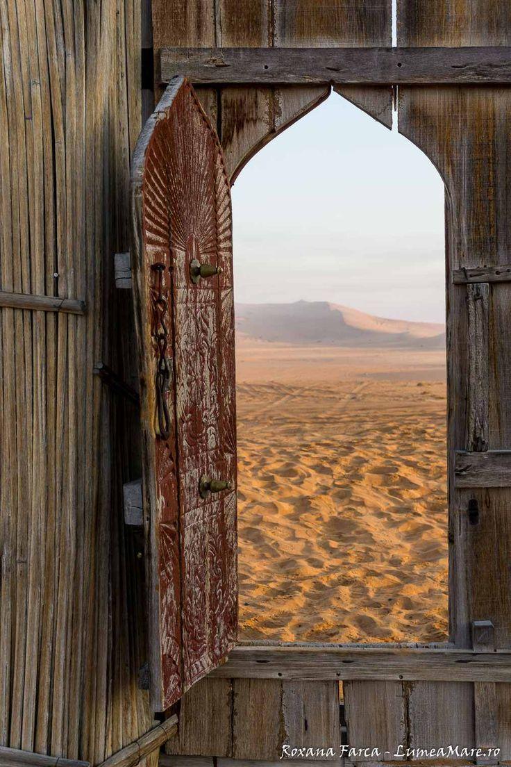 Wahiba Sands, o amintire cât 1000 de stele: http://lumeamare.ro/2016/11/07/povestile-seherezadei-din-oman-5/