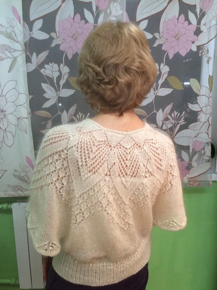 Четыре вязаных блузы от Светланы Селиной по одному описанию
