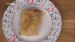 Ζαμπονο-Μανιταρο-Τυροπιτα με Μπεσαμελ σε φυλλο Κανταιφι. Ακης.