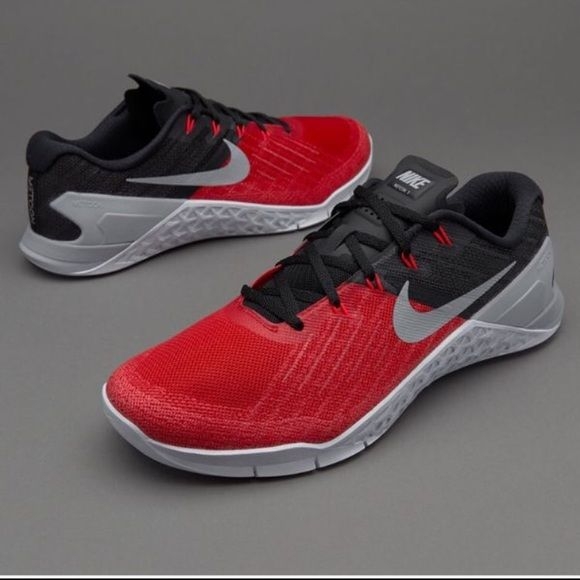 Men's Nike Metcon Size 7/Women's 8.5