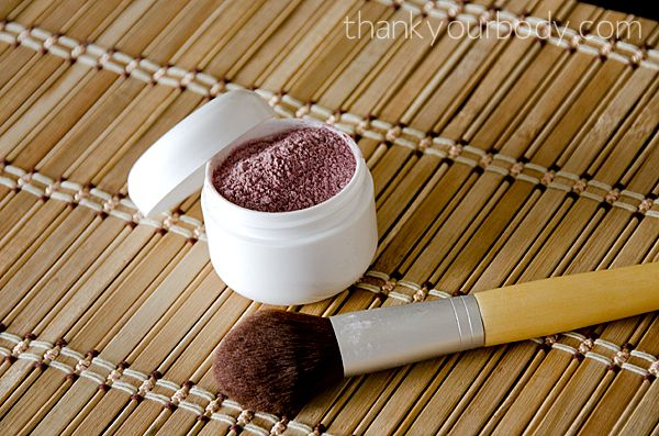 All natural homemade blush. Easy and awesome!  Could also substitute other herbs like beet root powder for color or combine with her homemade bronzer!